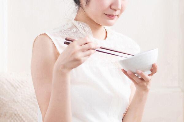 """""""ごっくん""""筋鍛える飲み込みトレーニング 誤嚥性肺炎予防にも"""