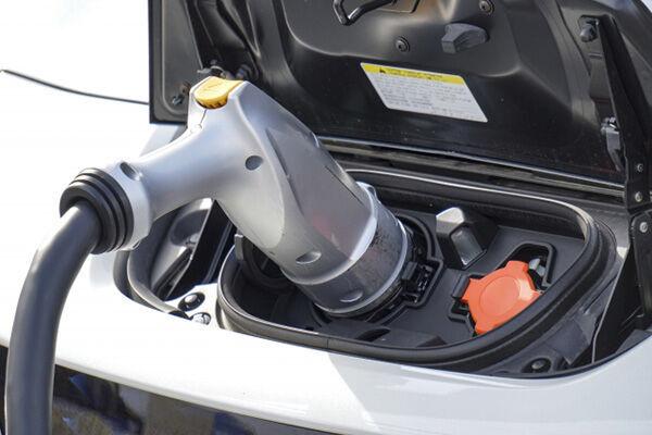 春から補助金増額の電気自動車 実際の走り心地を識者が解説