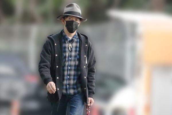 3月上旬に目撃した愛犬を散歩させる木村