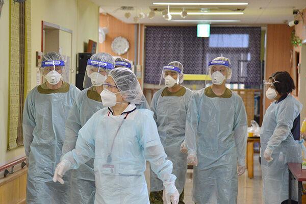 全国の介護施設でクラスターが発生。沖縄県の施設には自衛隊が投入された(写真提供:防衛省統合幕僚監部)