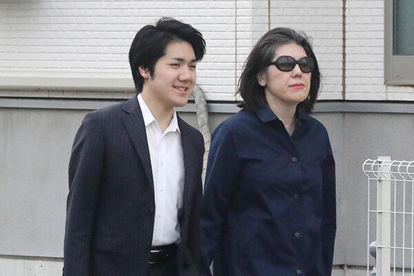 「母を守る…」小室圭さんが金銭問題を引き延ばしていた理由