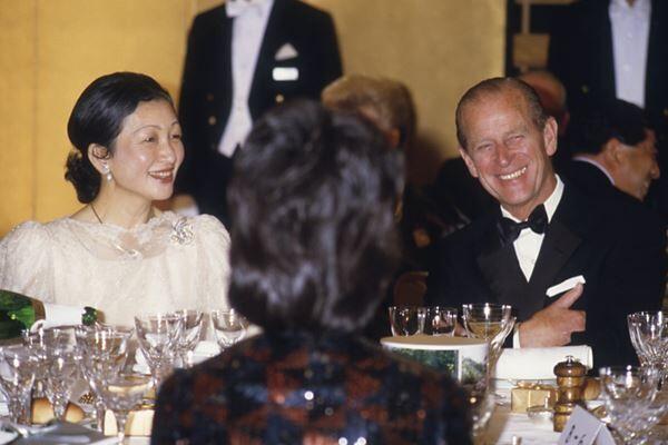 美智子さまと野生動物保護のチャリティ晩餐会でご歓談されたフィリップ殿下