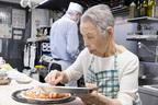 豊洲で腕ふるう95歳のピザ焼きばあば「具材は採算度外視で!」
