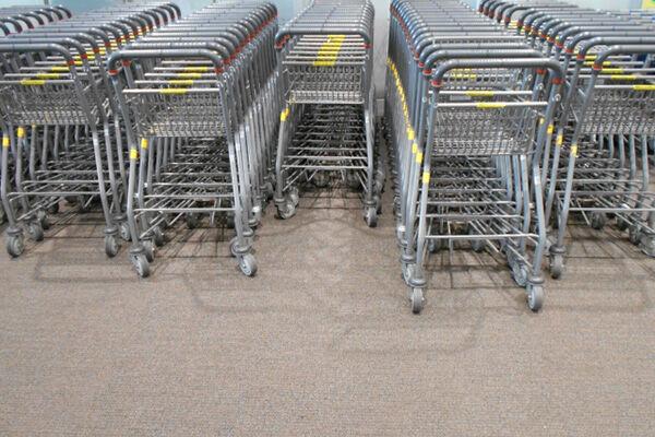 お金が貯まる人は「スーパーは裏口から入る」その理由は?