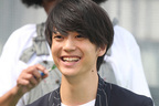 """伊藤健太郎 ファンクラブ開設に歓迎も""""早すぎる""""と疑問の声"""