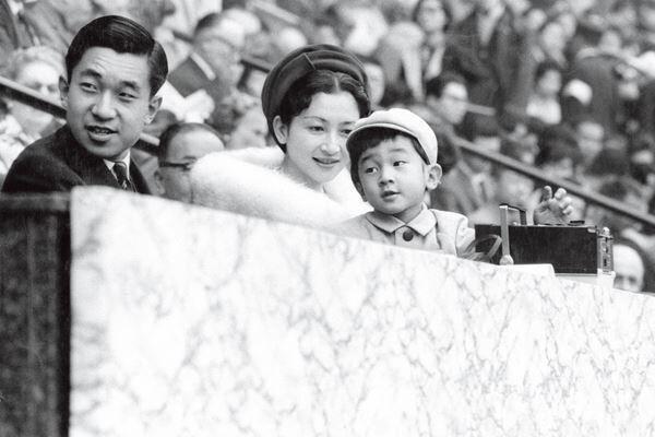 64年の東京五輪、当時4歳の天皇陛下は上皇ご夫妻とご観戦