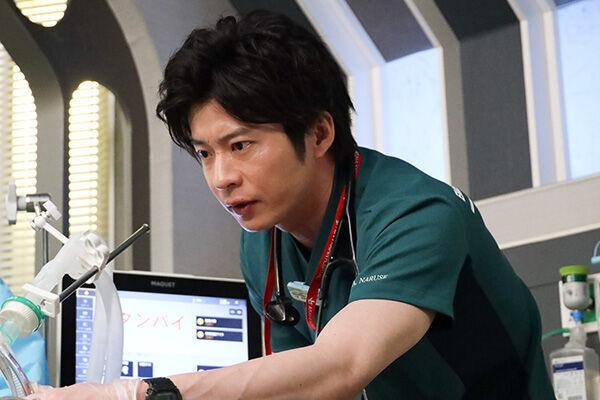 田中圭:「あさひ海浜病院」救命救急センターナイト・ドクター/成瀬暁人役