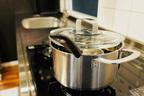 スプーン1杯の水でカレー鍋が綺麗に…食器洗いの新常識5