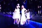 土屋アンナら人気モデルが『クラゲ万華鏡トンネル』で幻想的ランウェイ