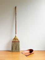 江戸箒の魅力! 静かでいつでも掃除ができる「江戸の日用品」 忙しい現代人にこそおすすめ