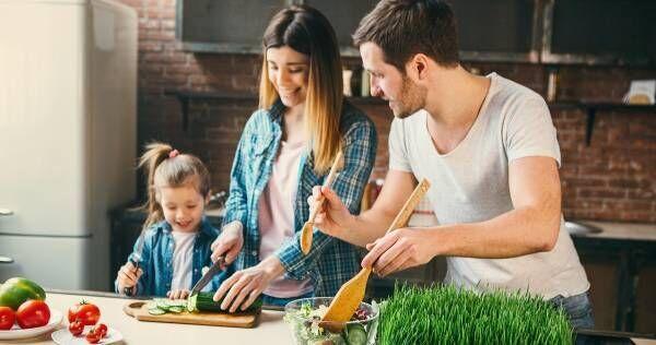 五感が鍛えられるだけじゃない!集中力や思考力も高まるメリットだらけの「親子料理」