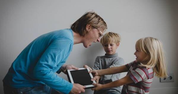 """我慢ができない子どもは """"親の愛"""" を試してる!? 「自制心」が育つ親の言葉"""