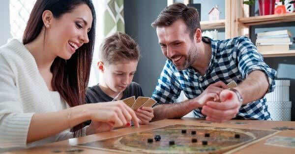 子どもに新たな読書体験、物語作り体験を! お話を作って遊べるボードゲーム3選。