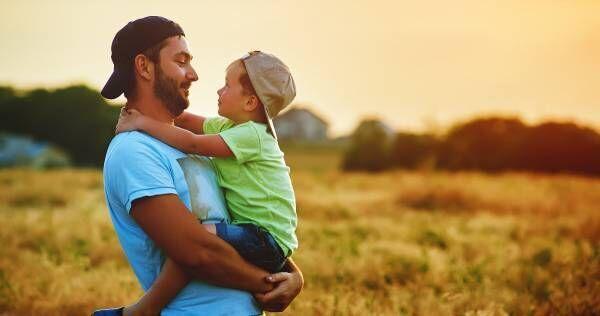 """遺伝子か環境か。子どもの """"学力と運動能力"""" はどちらで決まる?――「行動遺伝学」の答え"""