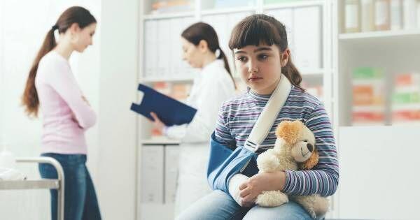 転んだだけで骨折する子どもが急増中!?骨が脆くなっているのは○○が原因だった