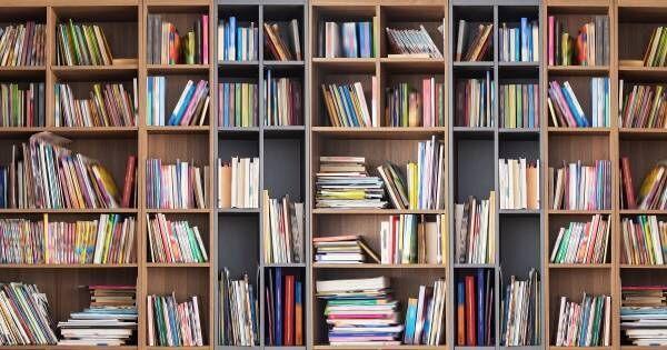 """読書習慣は親の影響が大きい!子どもが """"本好き"""" になる、家庭の本棚の作り方"""