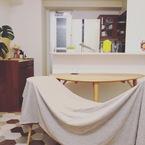 【簡単DIYでリメイク】食器棚にタイルシールを貼ってみた!