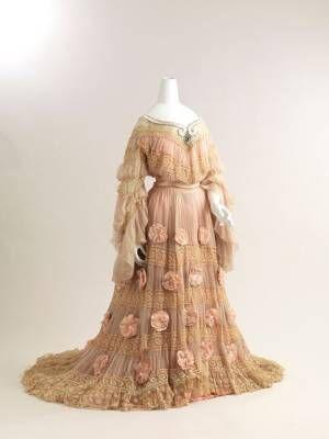 ロートレック、ミュシャ、ラリックの作品も 仏女優サラ・ベルナールの世界を紹介する展覧会