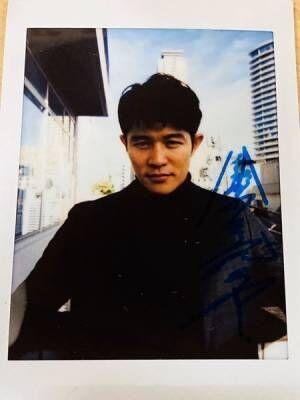 【プレゼント】鈴木亮平 サイン入りチェキを1名様に!