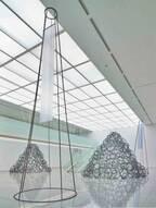鉄とガラスを用いた新作彫刻も 青木野枝の個展が府中市美術館にて開催