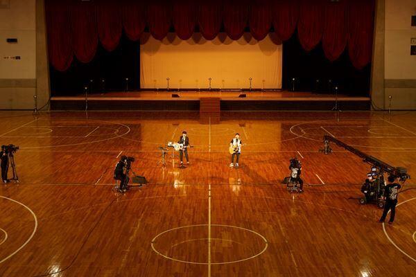 ゆず、再びの横浜文化体育館でオンラインツアー最終公演を開催 総視聴数80万越えでツアーを華々しく完走