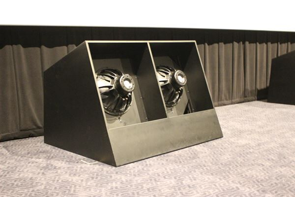 TOHOシネマズ 池袋を事前取材 日本初導入のスピーカーによる「サウンド・シアター」で極上の音響を体験