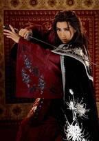 真風涼帆が渡西した侍に扮する宝塚宙組公演が東京で開幕