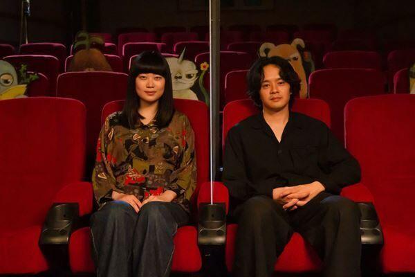 (左から)山中瑶子監督、池松壮亮