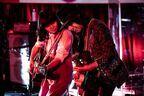 "LOVE PSYCHEDELICO、TOHOシネマズ立川立飛にて""最高音質""のライブを披露 コロナ禍に提示した新しいライブの在り方"