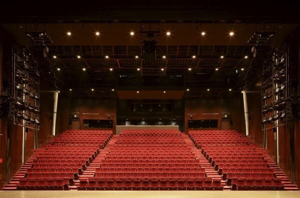 PARCO劇場の内観 撮影:尾嶝太