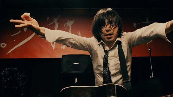 宮本浩次、シングル『P.S. I love you』初回限定盤DVDより「ハレルヤ」の映像を公開