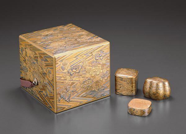 《綾杉地獅子牡丹蒔絵十種香箱》幸阿弥長重/作慶安2年(1649)江戸東京博物館蔵
