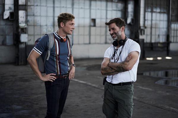 左: マティアス・シュヴァイクホファー / 右: ザック・スナイダー