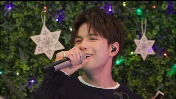 MORISAKI WIN ACOUSTIC LIVE「CHRI's FIRST CHRISTMAS TIME IS HERE」
