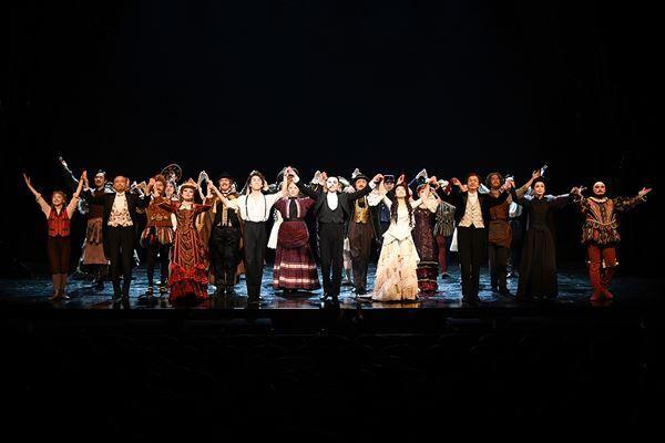 ミュージカル『オペラ座の怪人』初日カーテンコール