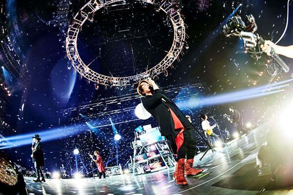 GLAY『THE ENTERTAINMENT STRIKES BACK魁☆』 Photo by 田辺佳子
