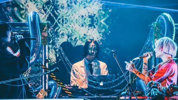 """『4s4ki – 1 st Oneman Live""""4444年""""』より"""