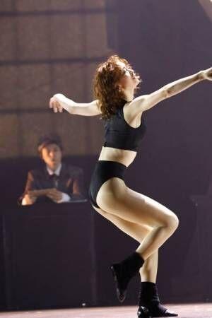 愛希れいかが躍動! ミュージカル『フラッシュダンス』が開幕
