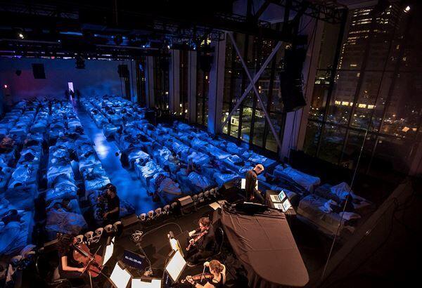 """『SLEEP マックス・リヒターからの招待状』 """"眠り""""の世界へいざなうコンサートの魅力とは"""