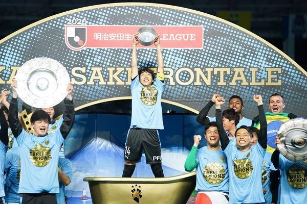11月25日、2年ぶり3度目の2020明治安田生命J1リーグを決めた川崎フロンターレ (c)J.LEAGUE