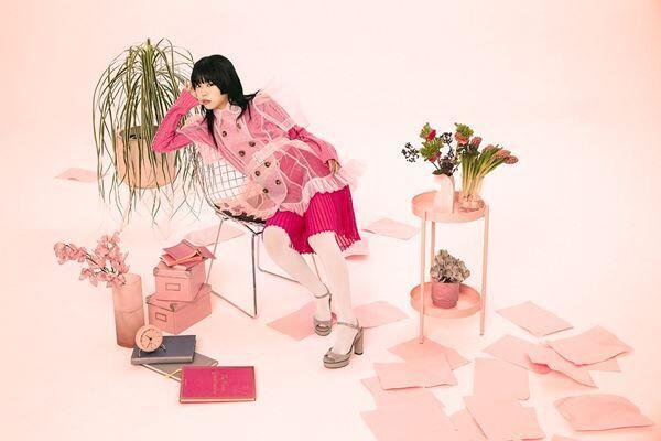 アイナ・ジ・エンド「内緒」アーティスト写真
