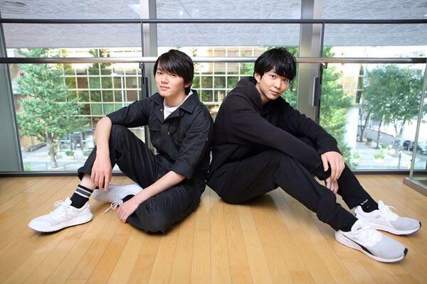 濱田龍臣(左)、鈴木仁(右) 撮影:杉映貴子