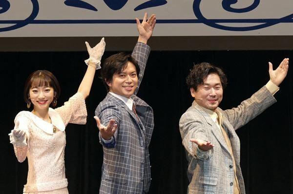 左から武田玲奈加藤シゲアキ山崎樹範