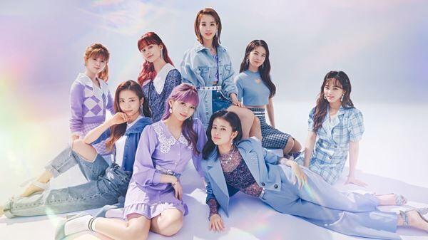 H&M 2021年春夏キャンペーン『H&M♡NiziU』ビジュアル