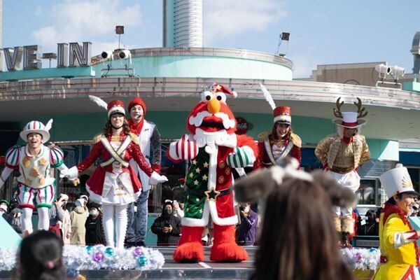 USJクリスマスショー Minions and all related elements and indicia TM & © 2020 Universal Studios. All rights reserved. © Nintendo TM & © 2020 Sesame Workshop © 2020 Peanuts Worldwide LLC © 1976, 1999, 2020 SANRIO CO., LTD.APPROVAL NO. EJ0110601 TM & © Universal Studios & Amblin Entertainment TM & © Universal Studios. All rights reserved.