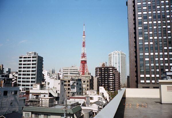 写真家・鷹野隆大、初の大規模展覧会を国立国際美術館にて開催