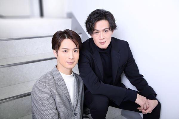 田代万里生(左)新納慎也(右) 撮影:杉映貴子