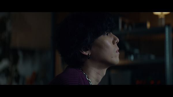 RADWIMPS、野⽥洋次郎が出演するカロリーメイト新CMに新曲「鋼の⽻根」書き下ろし
