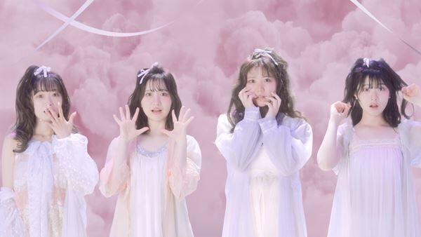 CloudyCloudy「はっきり言って欲しい」MVより (C)Flora