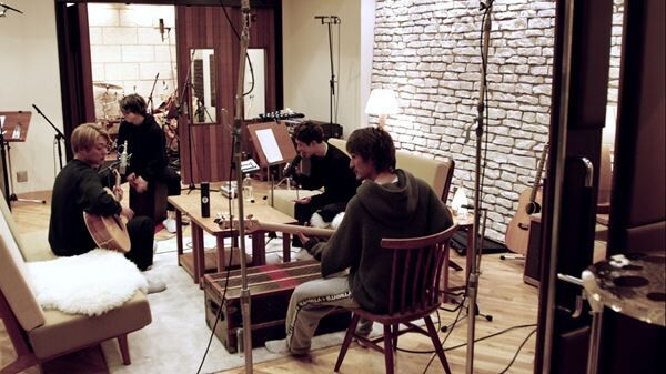 ONE OK ROCK「Broken Heart of Gold (Acoustic)」レコーディング風景